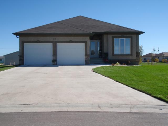 Main Photo: 52 Britton Bay in HEADINGLEY: Headingley North Condominium for sale (West Winnipeg)  : MLS®# 1100540