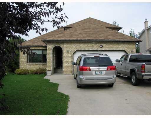 Main Photo: 20 GUNDY LAKE Bay in WINNIPEG: Fort Garry / Whyte Ridge / St Norbert Residential for sale (South Winnipeg)  : MLS®# 2910506