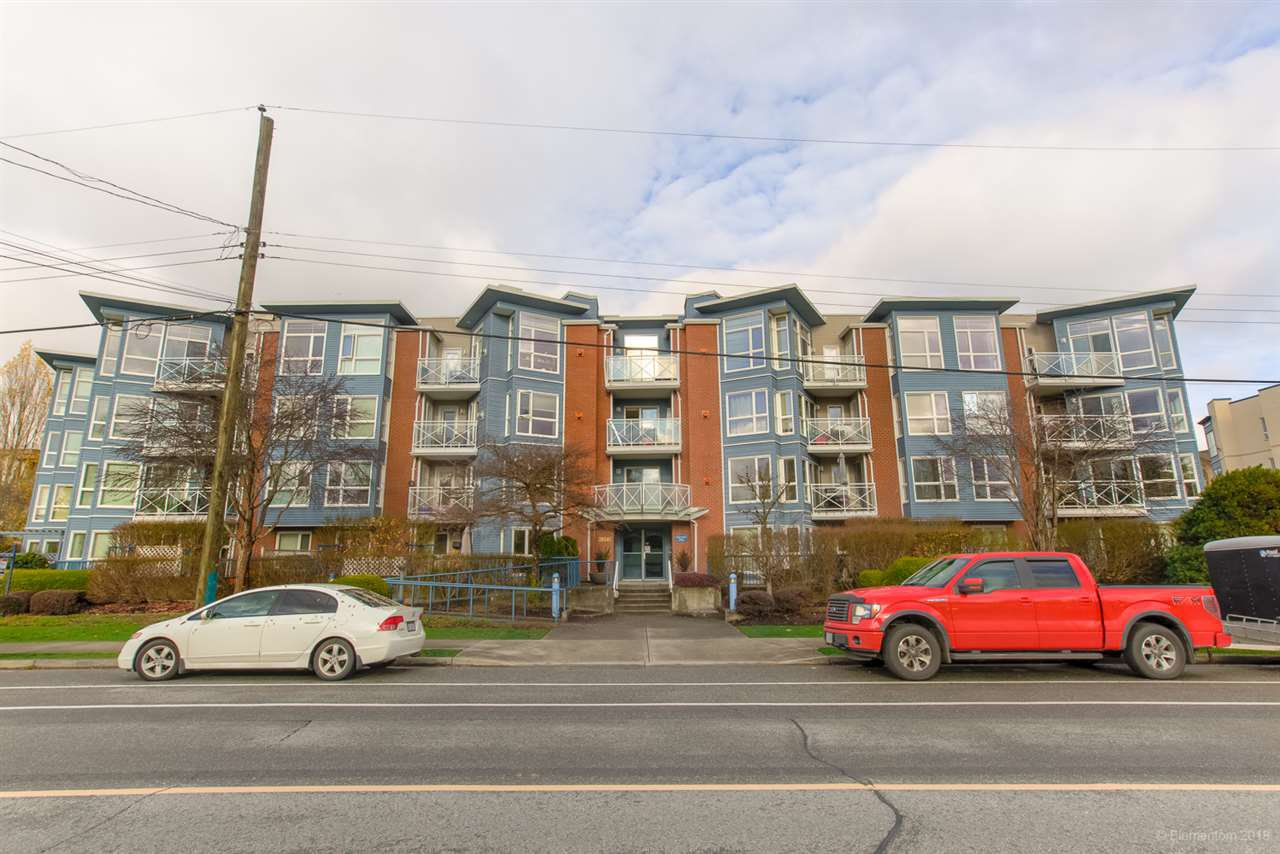 "Main Photo: 207 20245 53 Avenue in Langley: Langley City Condo for sale in ""METRO 1"" : MLS®# R2421065"