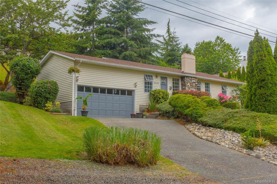 Main Photo: 6638 Rey Rd in Central Saanich: CS Tanner Single Family Detached for sale : MLS®# 843615