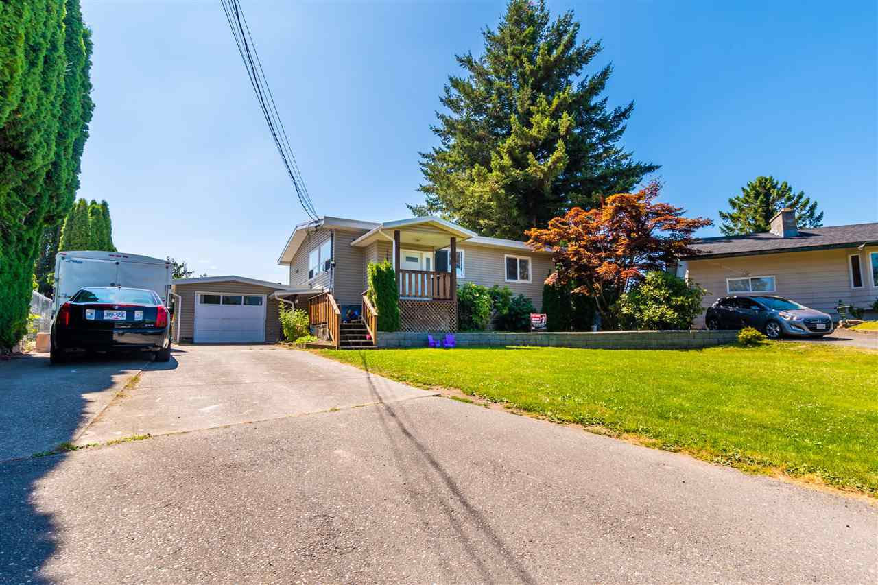 "Main Photo: 45640 NEWBY Drive in Chilliwack: Sardis West Vedder Rd House for sale in ""SARDIS"" (Sardis)  : MLS®# R2481893"