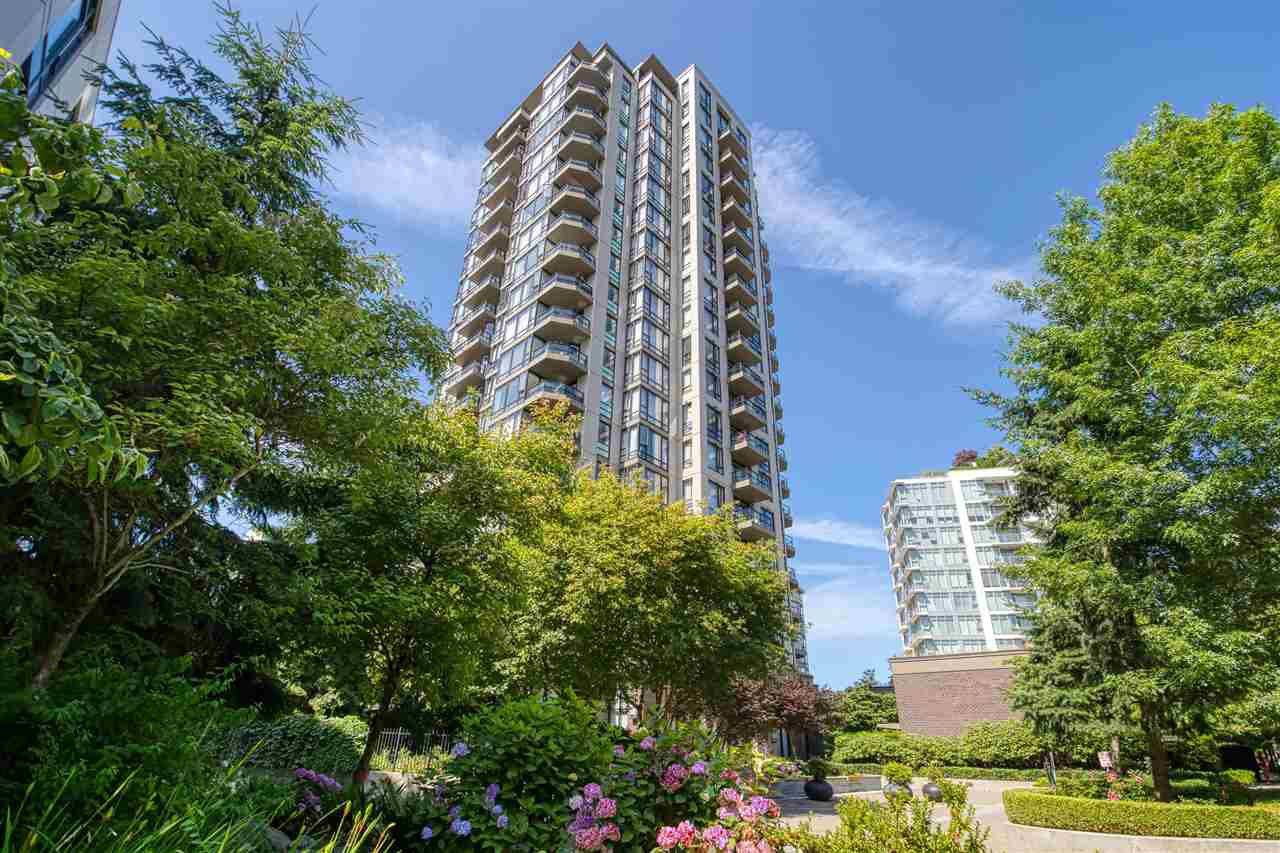 Main Photo: 506 151 W 2ND STREET in North Vancouver: Lower Lonsdale Condo for sale : MLS®# R2478112