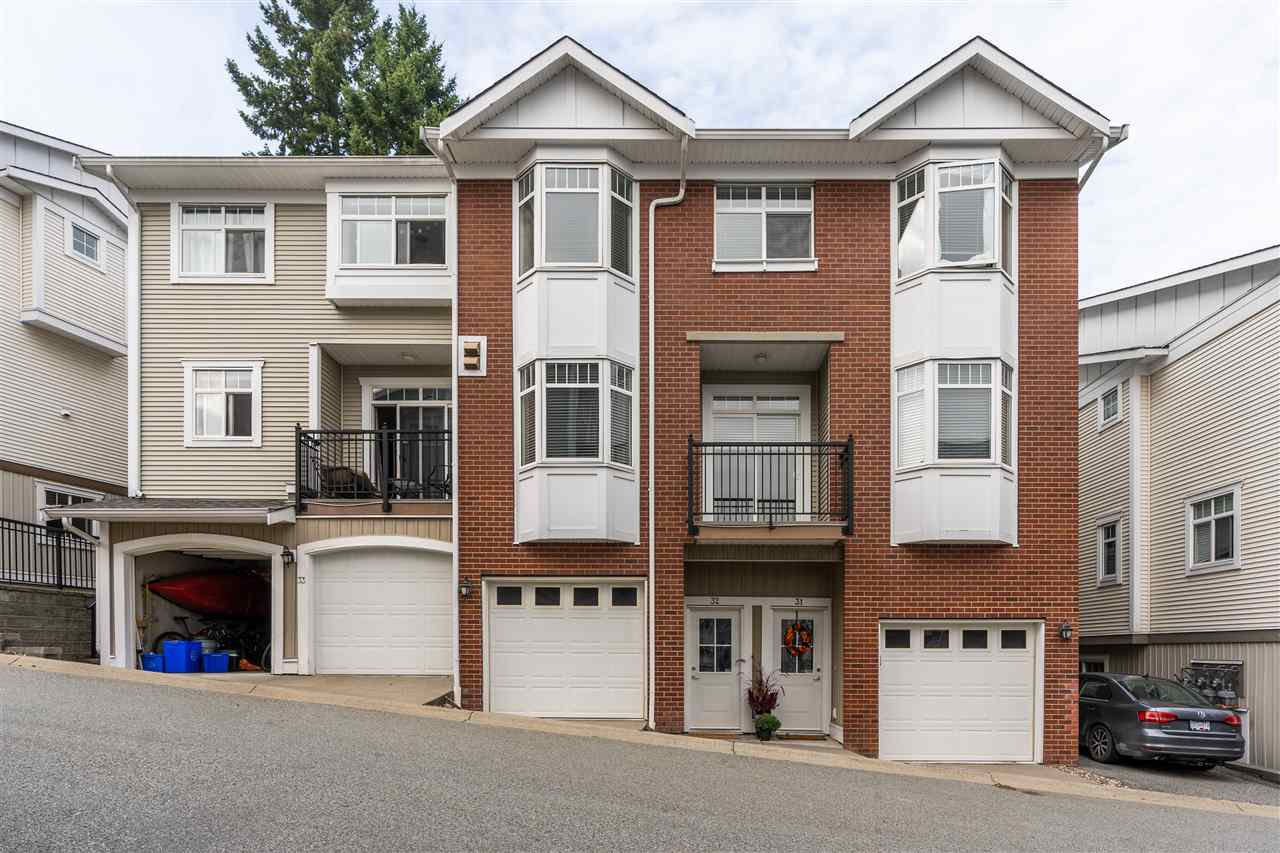 Main Photo: 32 19551 66 AVENUE in Surrey: Clayton Townhouse for sale (Cloverdale)  : MLS®# R2499246