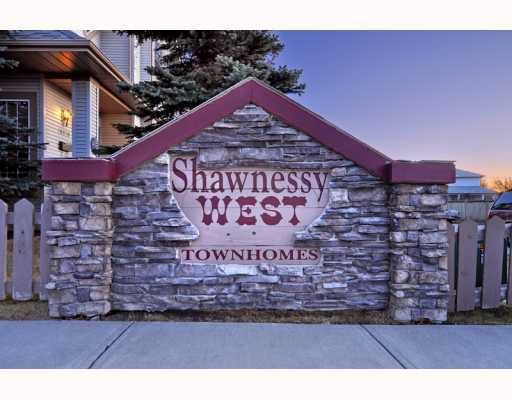 Main Photo: 36 SHAWBROOKE Court SW in CALGARY: Shawnessy Townhouse for sale (Calgary)  : MLS®# C3401716
