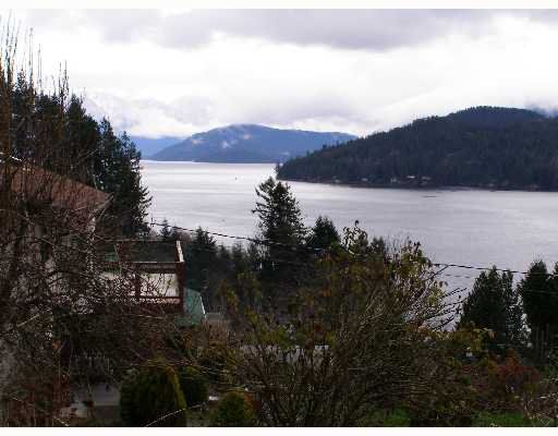 "Photo 3: Photos: 496 CENTRAL Avenue in Gibsons: Gibsons & Area House for sale in ""GRANTHAMS LANDING"" (Sunshine Coast)  : MLS®# V622835"