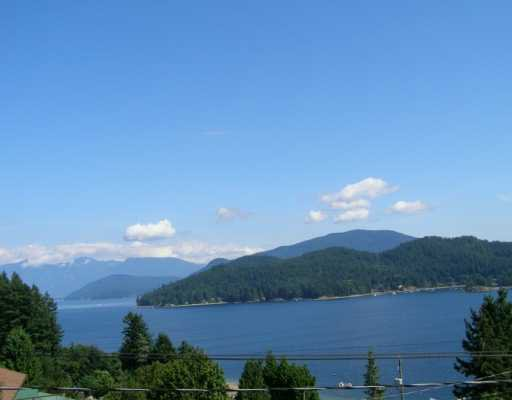 "Photo 1: Photos: 496 CENTRAL Avenue in Gibsons: Gibsons & Area House for sale in ""GRANTHAMS LANDING"" (Sunshine Coast)  : MLS®# V622835"