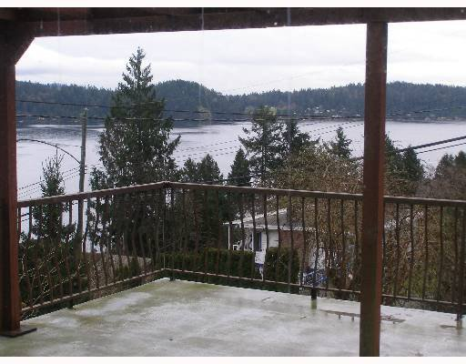 "Photo 6: Photos: 496 CENTRAL Avenue in Gibsons: Gibsons & Area House for sale in ""GRANTHAMS LANDING"" (Sunshine Coast)  : MLS®# V622835"