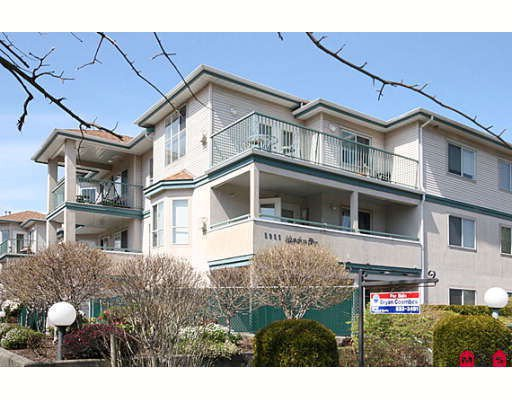 """Main Photo: 109 5955 177B Street in Surrey: Cloverdale BC Condo for sale in """"Windsor Place"""" (Cloverdale)  : MLS®# F2916723"""
