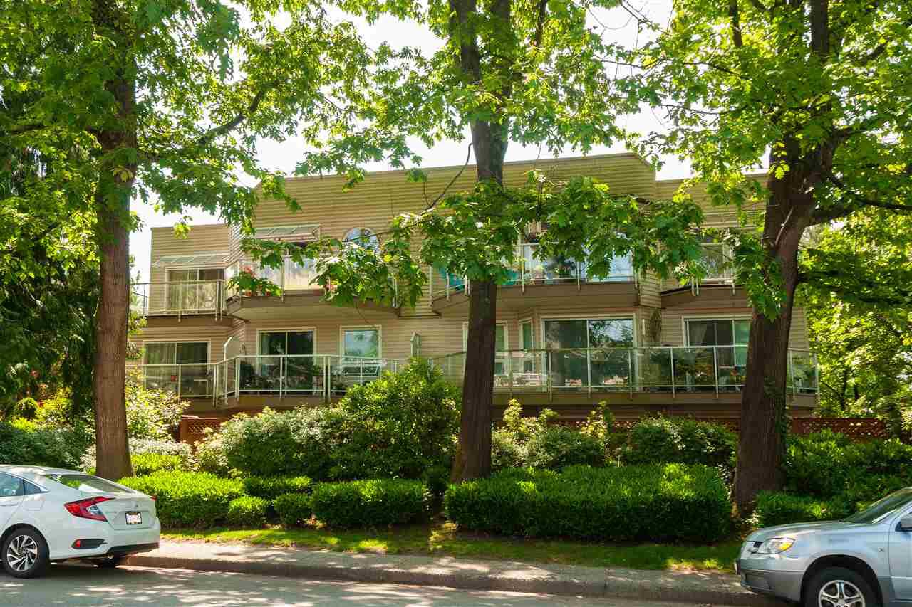 "Main Photo: 106 827 W 16TH Street in North Vancouver: Mosquito Creek Condo for sale in ""Cedarcrest"" : MLS®# R2433757"