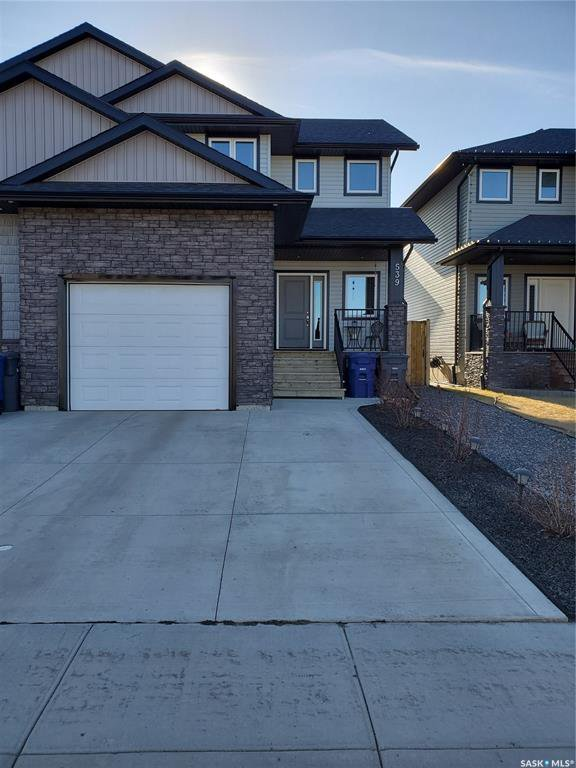 Main Photo: 539 Maple Crescent in Warman: Residential for sale : MLS®# SK805994