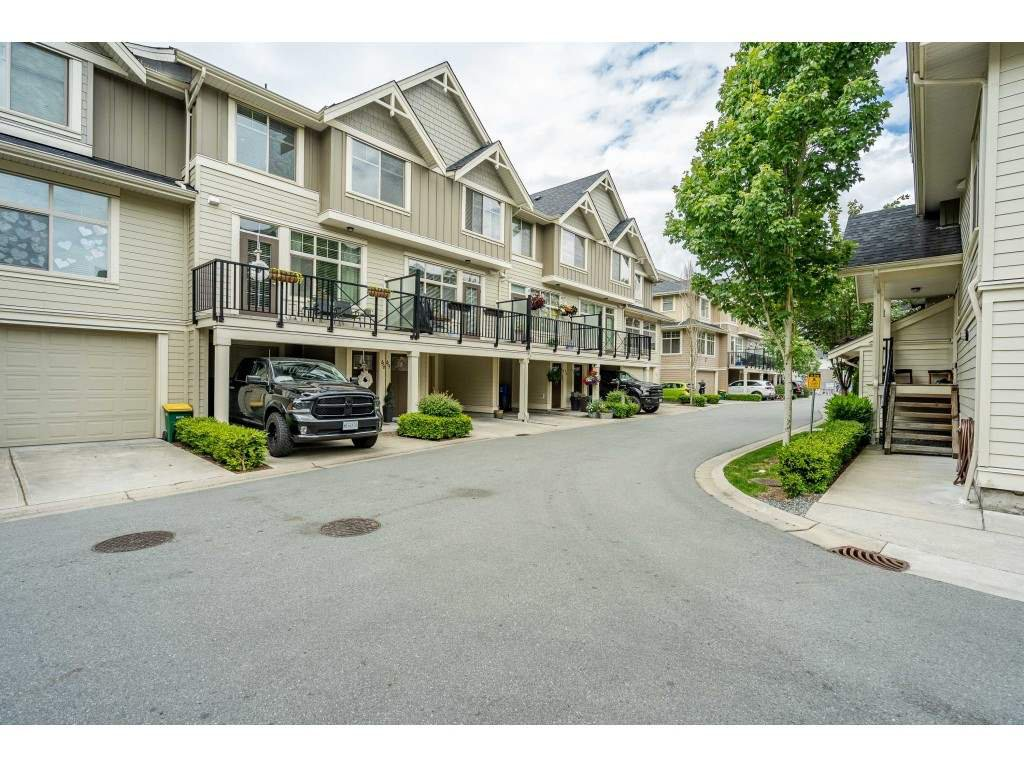 "Main Photo: 48 19525 73 Avenue in Surrey: Clayton Townhouse for sale in ""Uptown 2"" (Cloverdale)  : MLS®# R2462606"