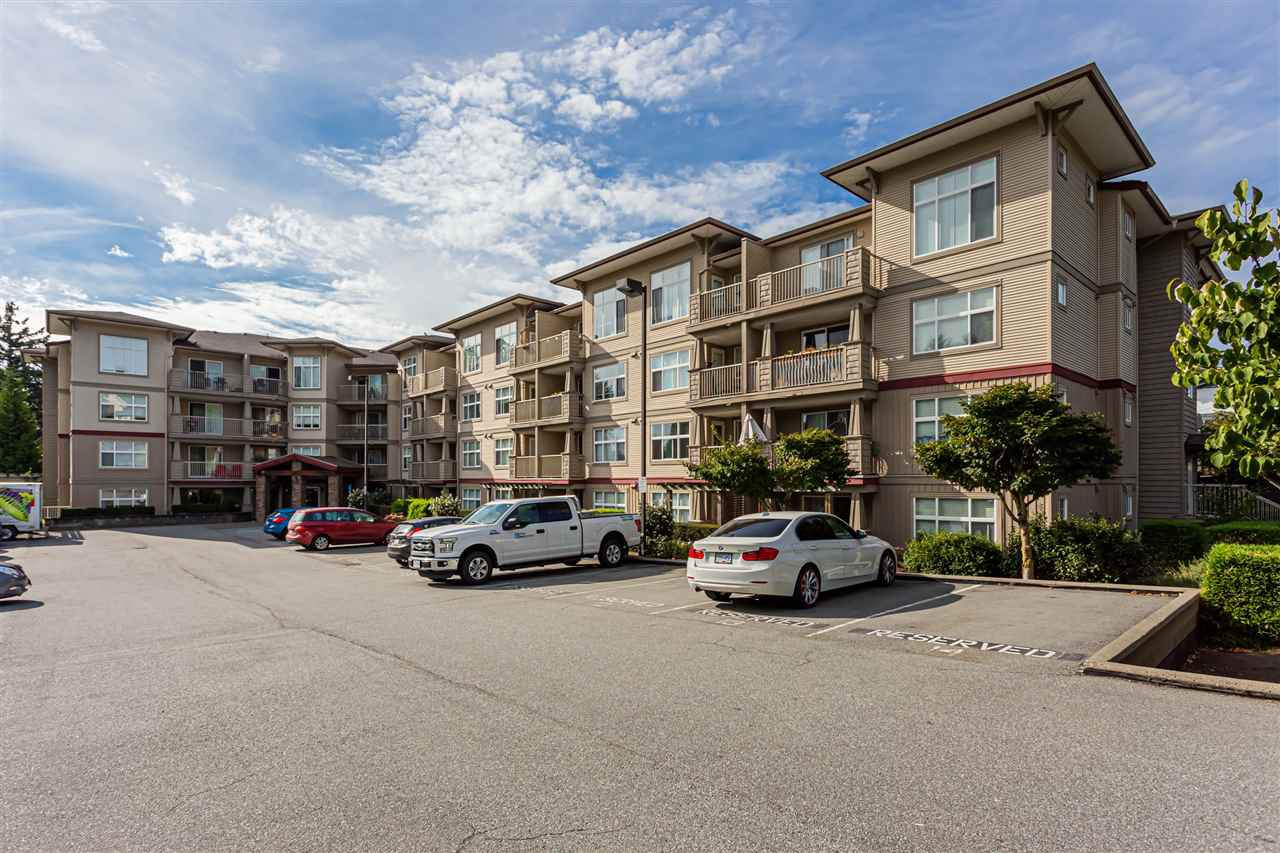 Main Photo: 309 2515 PARK Drive in Abbotsford: Abbotsford East Condo for sale : MLS®# R2488999