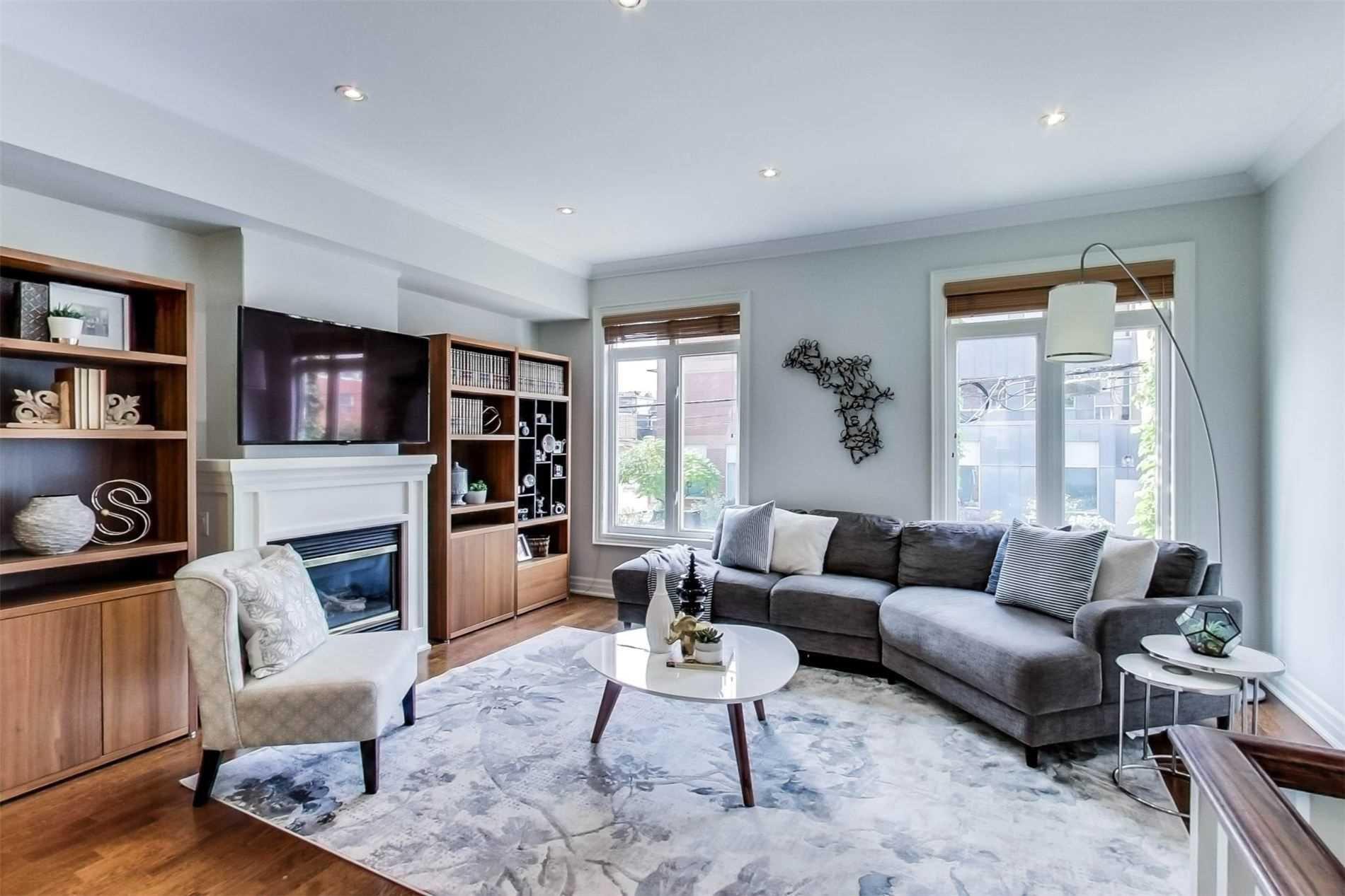 Photo 5: Photos: 213 Heward Avenue in Toronto: South Riverdale House (3-Storey) for sale (Toronto E01)  : MLS®# E4941877