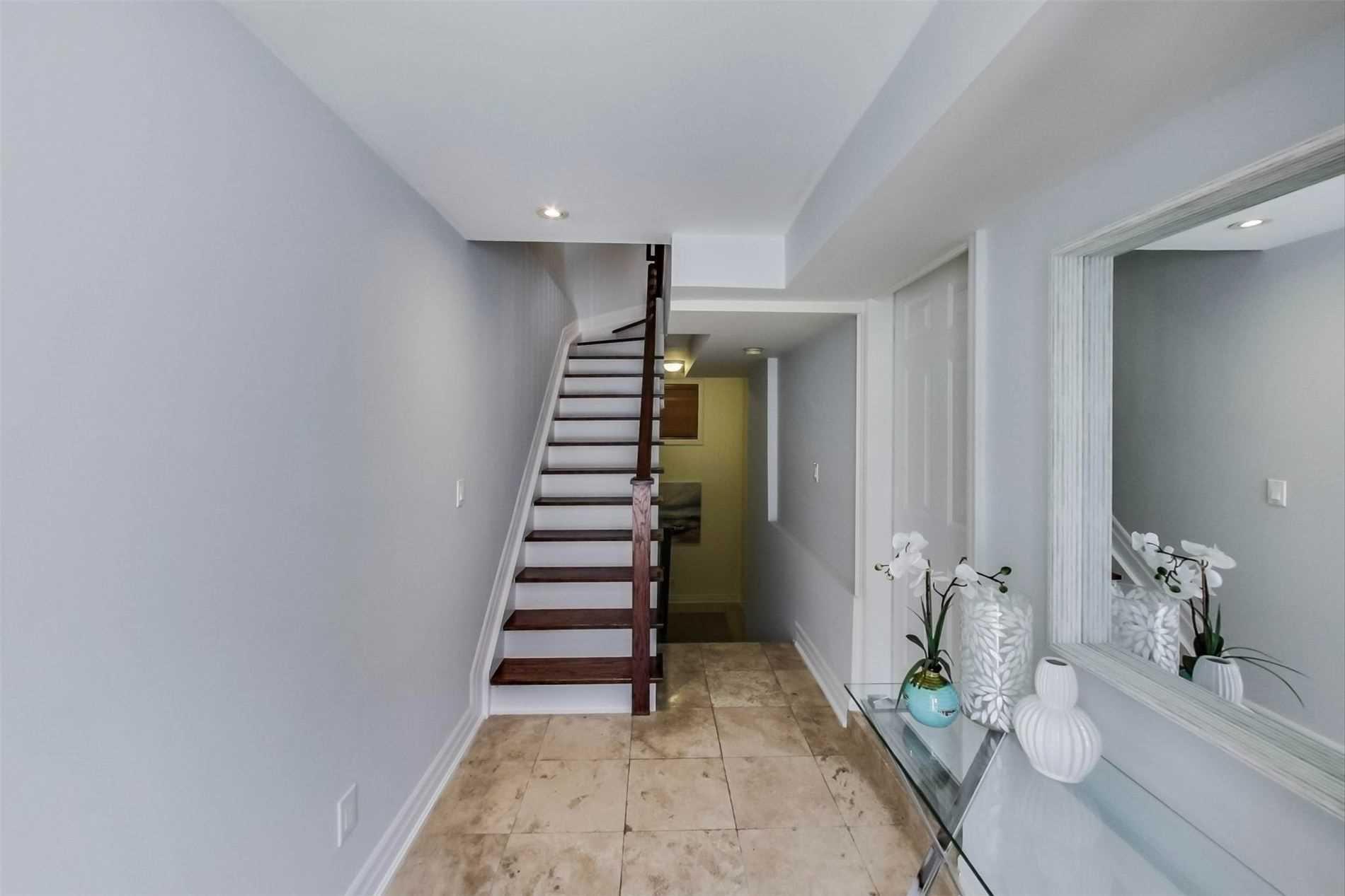 Photo 2: Photos: 213 Heward Avenue in Toronto: South Riverdale House (3-Storey) for sale (Toronto E01)  : MLS®# E4941877