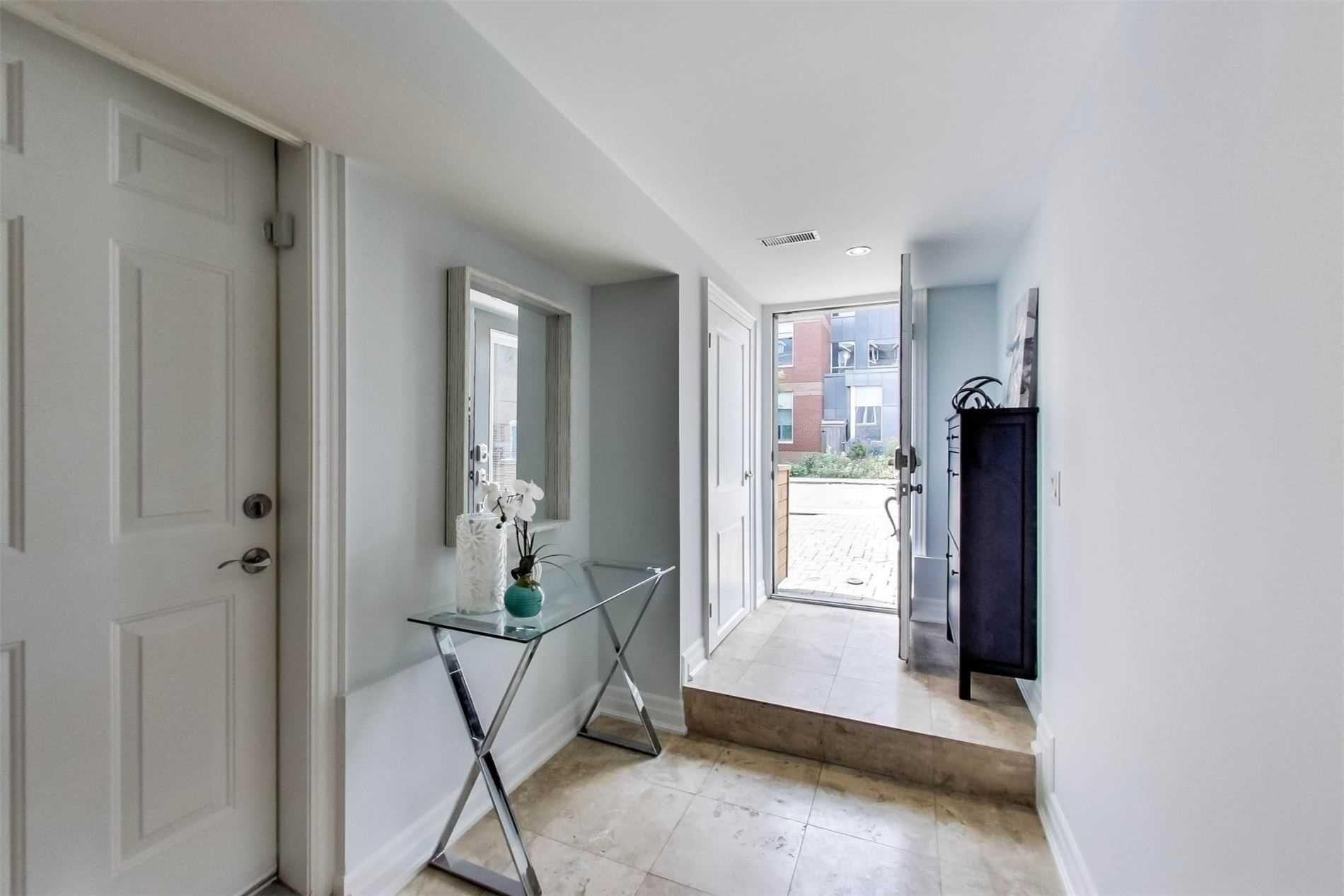 Photo 3: Photos: 213 Heward Avenue in Toronto: South Riverdale House (3-Storey) for sale (Toronto E01)  : MLS®# E4941877
