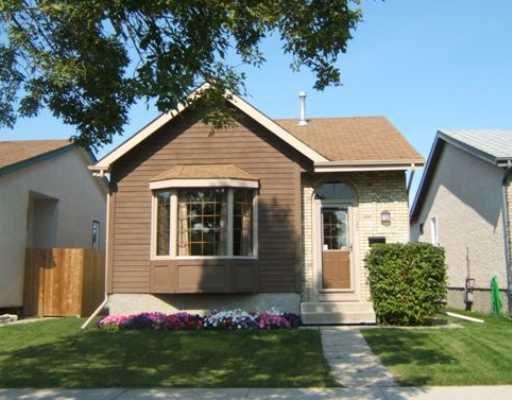Main Photo: 1127 KILDARE Avenue East in WINNIPEG: Transcona Residential for sale (North East Winnipeg)  : MLS®# 2818123
