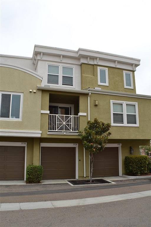 Main Photo: POINT LOMA Townhome for rent : 2 bedrooms : 3526 Shoreline Bluff Ln in San Diego