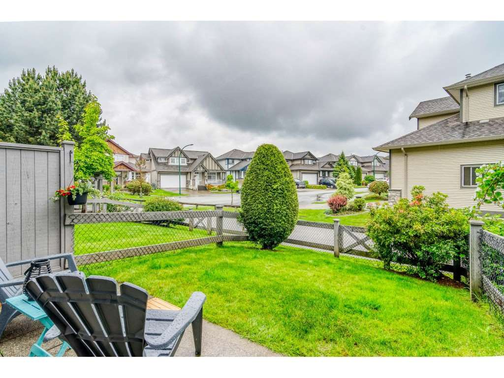 "Main Photo: 26 18839 69 Avenue in Surrey: Clayton Townhouse for sale in ""STARPOINT II"" (Cloverdale)  : MLS®# R2459223"