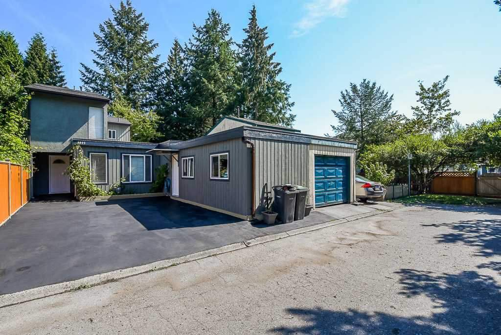 Main Photo: 3009 ALDERBROOK Place in Coquitlam: Meadow Brook House 1/2 Duplex for sale : MLS®# R2485781