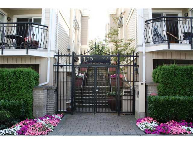 """Main Photo: 690 W 7TH Avenue in Vancouver: Fairview VW Townhouse for sale in """"LIBERTE"""" (Vancouver West)  : MLS®# V846020"""