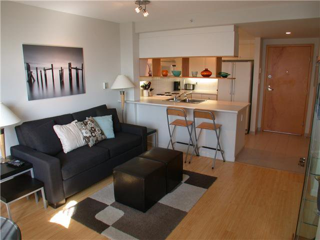 """Photo 3: Photos: 429 1979 YEW Street in Vancouver: Kitsilano Condo for sale in """"THE CAPERS BUILDING"""" (Vancouver West)  : MLS®# V850722"""