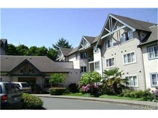 Main Photo: 214 290 Island Highway in VICTORIA: VR View Royal Condo Apartment for sale (View Royal)  : MLS®# 247035