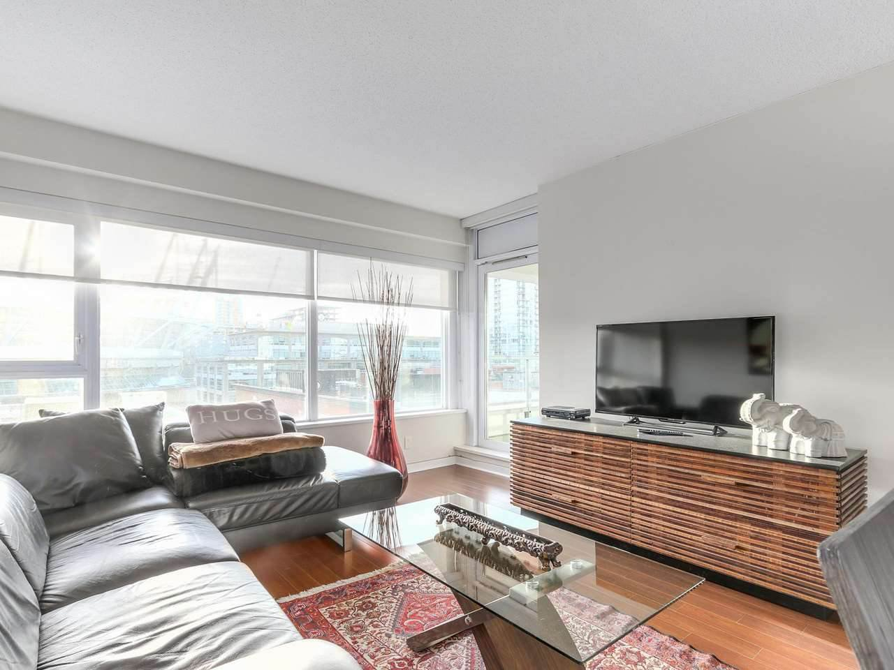 "Main Photo: 605 821 CAMBIE Street in Vancouver: Downtown VW Condo for sale in ""Raffles on Robson"" (Vancouver West)  : MLS®# R2450056"