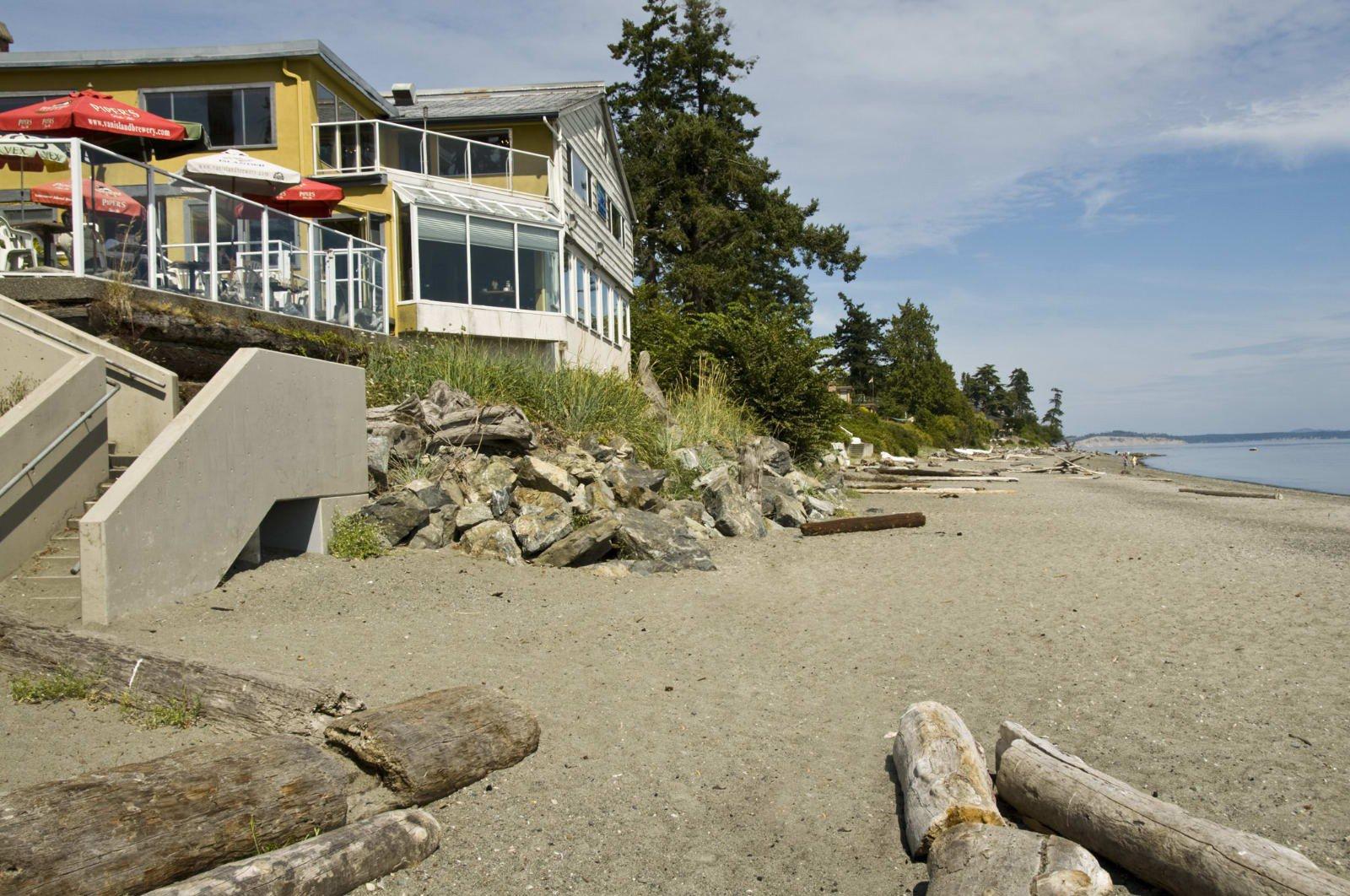 Main Photo: 4987 Cordova Bay Rd in VICTORIA: SE Cordova Bay House for sale (Saanich East)  : MLS®# 513041