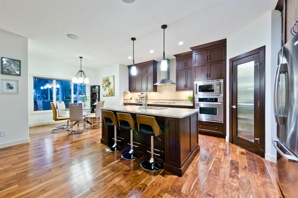Main Photo: 4 ASPEN HILLS Place SW in Calgary: Aspen Woods Detached for sale : MLS®# A1028698