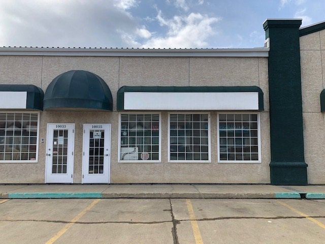 Main Photo: 10035 166 Street NW in Edmonton: Zone 22 Office for sale : MLS®# E4221469