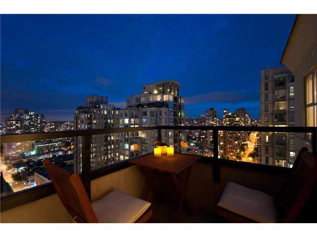 "Main Photo: 2107 989 RICHARDS Street in Vancouver: Downtown VW Condo for sale in ""MONDRIAN"" (Vancouver West)  : MLS®# V846027"