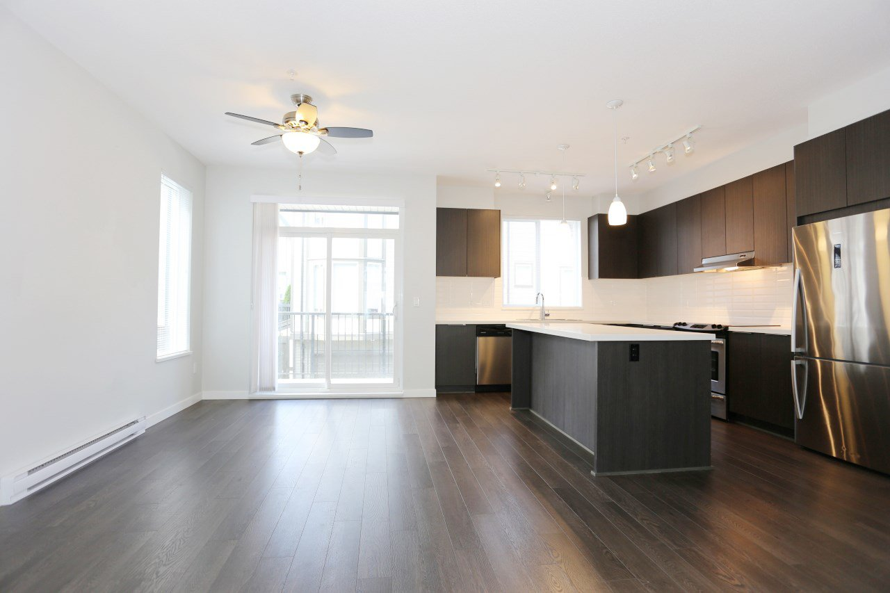 """Photo 4: Photos: 126 8138 204 Street in Langley: Willoughby Heights Townhouse for sale in """"Ashbury  & Oak"""" : MLS®# R2398814"""