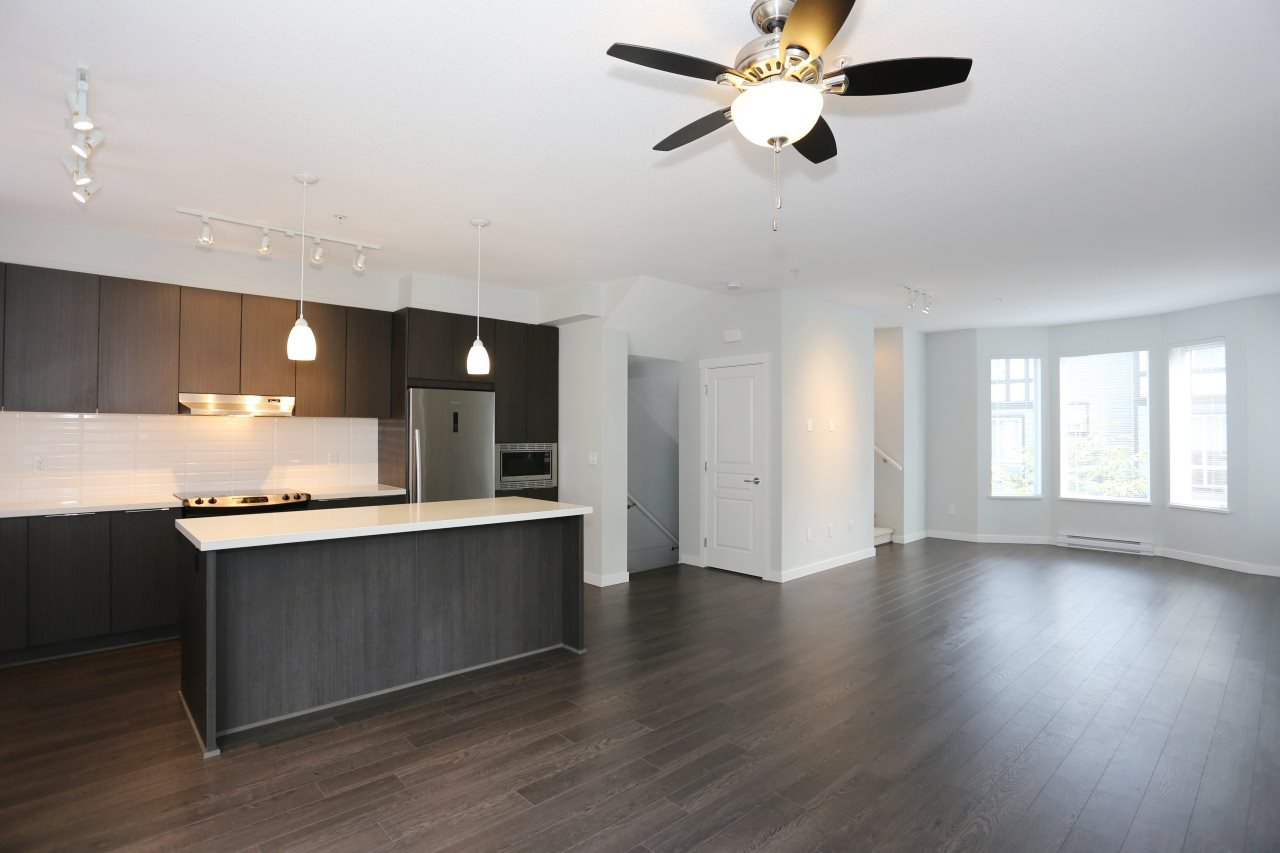 """Photo 6: Photos: 126 8138 204 Street in Langley: Willoughby Heights Townhouse for sale in """"Ashbury  & Oak"""" : MLS®# R2398814"""
