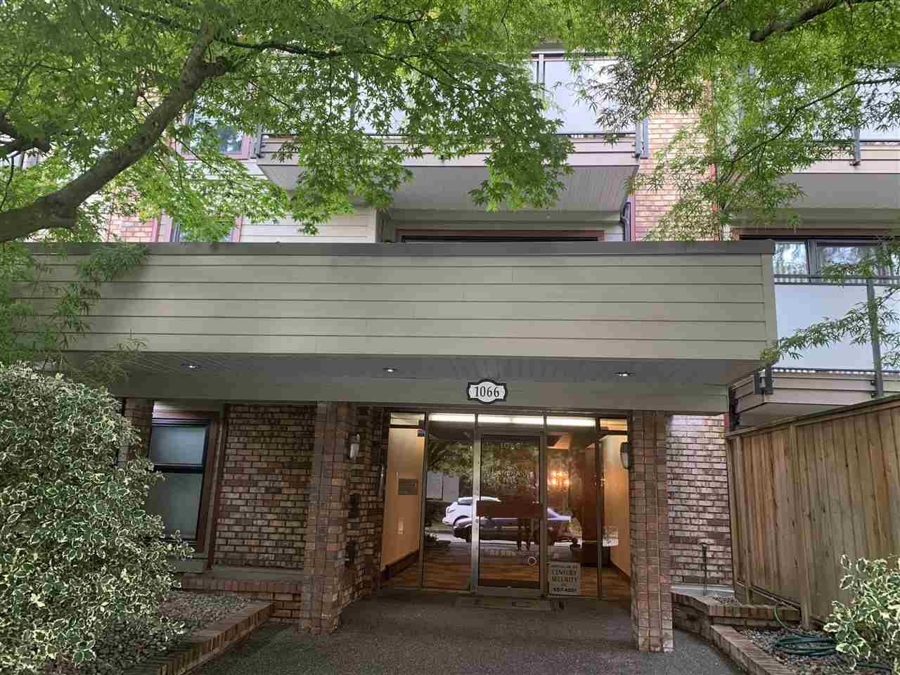 Main Photo: 213 1066 E 8TH Avenue in Vancouver: Mount Pleasant VE Condo for sale (Vancouver East)  : MLS®# R2405310