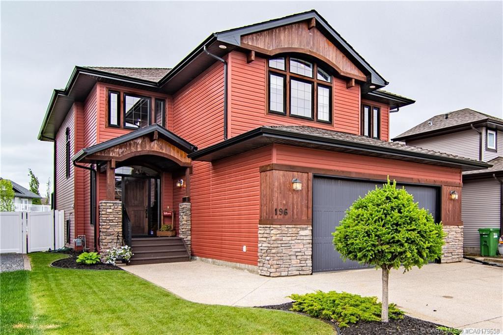 Main Photo: 196 Vincent Close in Red Deer: RR Vanier Woods Residential for sale : MLS®# CA0179658