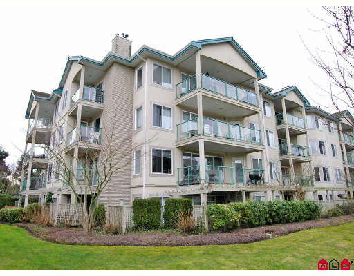 """Main Photo: 402 20433 53RD Avenue in Langley: Langley City Condo for sale in """"Countryside Estates"""" : MLS®# F2918107"""