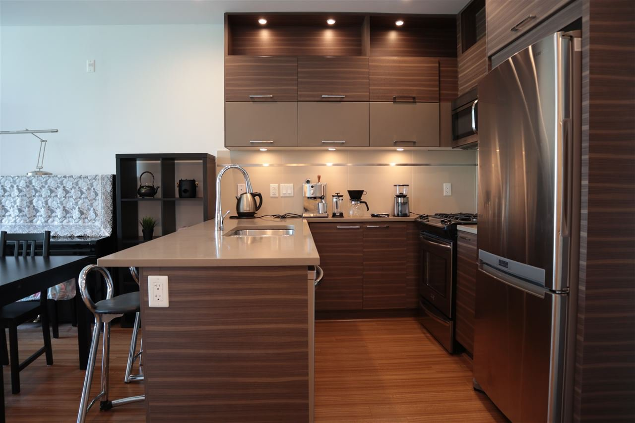 Photo 4: Photos: 307 9150 UNIVERSITY HIGH Street in Burnaby: Simon Fraser Univer. Condo for sale (Burnaby North)  : MLS®# R2483480