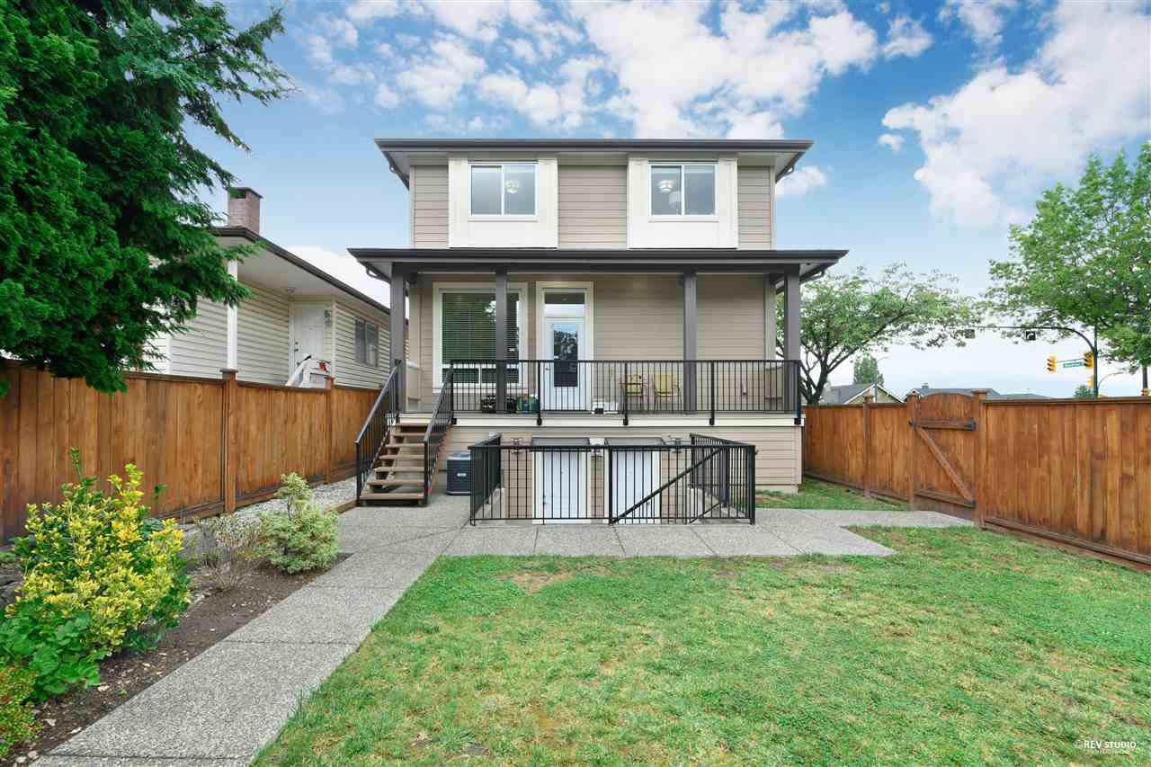 Main Photo: 379 N RENFREW Street in Vancouver: Hastings Sunrise House for sale (Vancouver East)  : MLS®# R2500972
