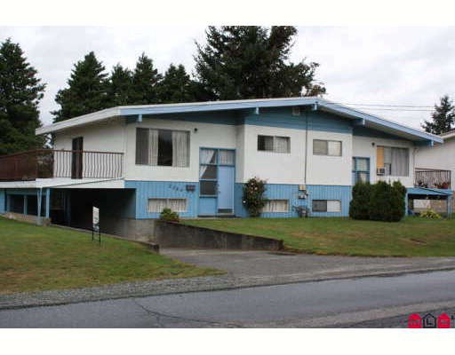 Main Photo: 2211 BEAVER Street in Abbotsford: Abbotsford West House Duplex for sale : MLS®# F2922374
