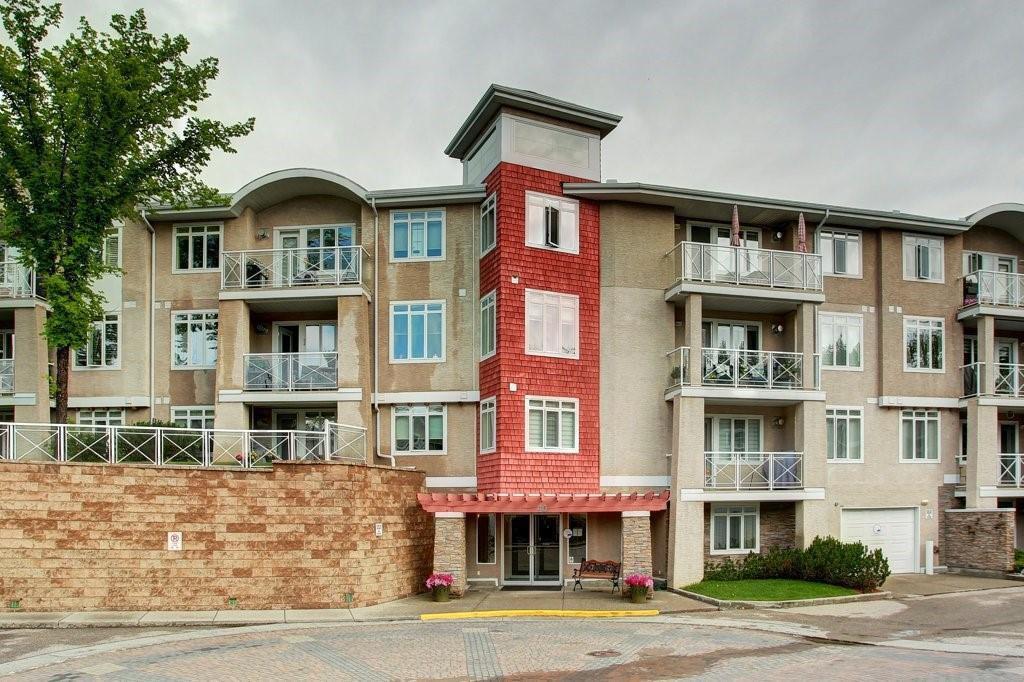 Main Photo: 205 40 PARKRIDGE View SE in Calgary: Parkland Apartment for sale : MLS®# C4259028
