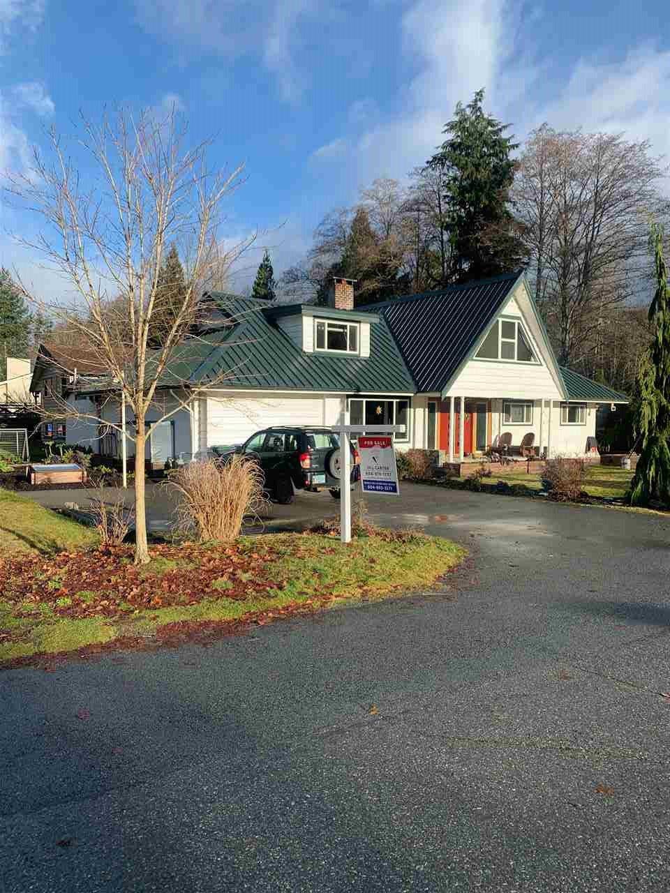 "Main Photo: 40430 CHEAKAMUS Way in Squamish: Garibaldi Estates House for sale in ""Garibaldi Estates"" : MLS®# R2525106"