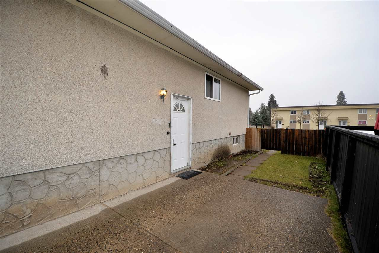 """Photo 11: Photos: 4385 1ST Avenue in Prince George: Heritage House 1/2 Duplex for sale in """"HERITAGE"""" (PG City West (Zone 71))  : MLS®# R2417760"""