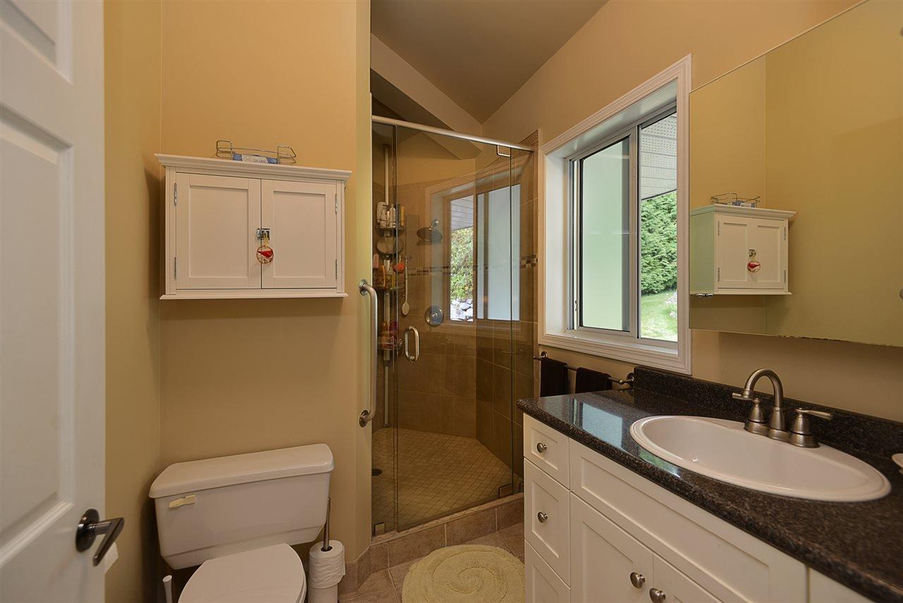 Photo 12: Photos: 2660 LOWER Road: Roberts Creek House for sale (Sunshine Coast)  : MLS®# R2422636