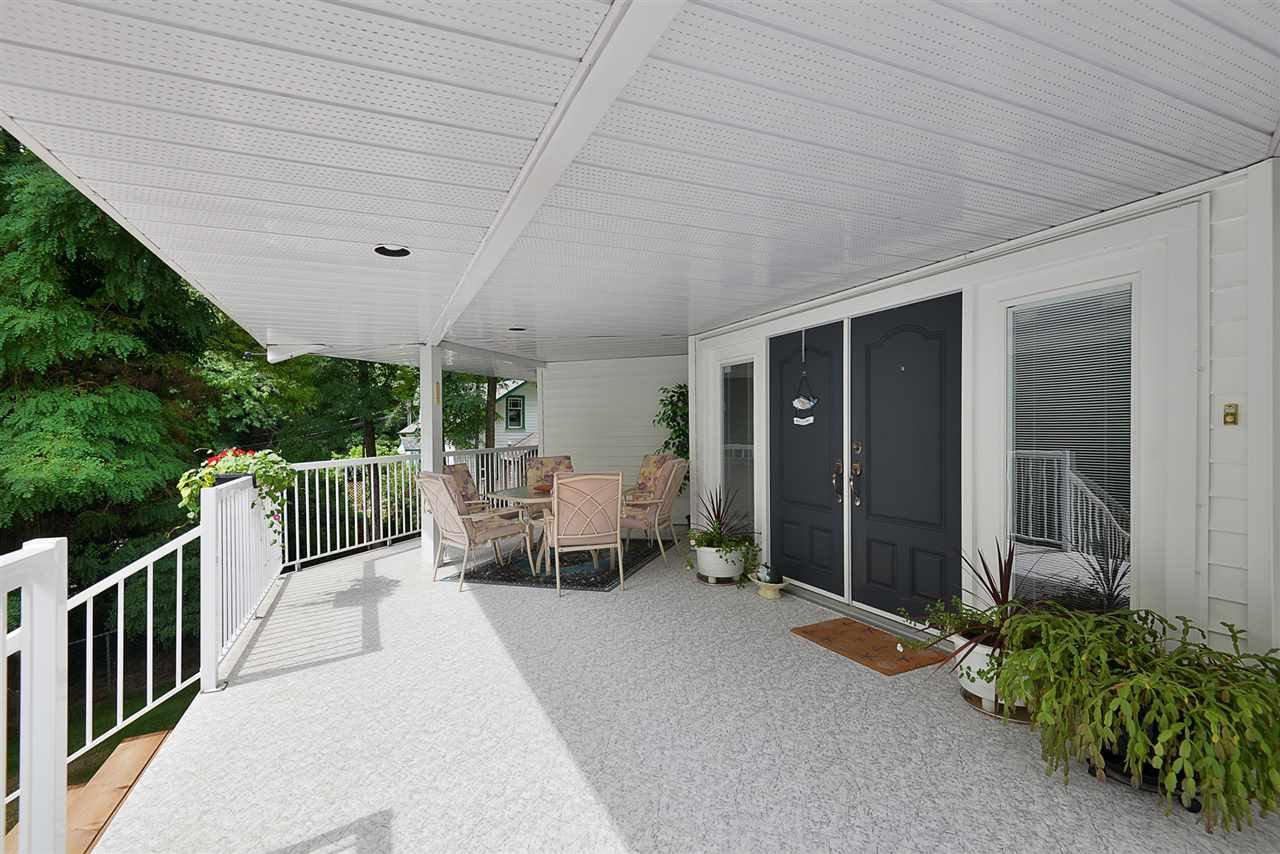 Photo 2: Photos: 2660 LOWER Road: Roberts Creek House for sale (Sunshine Coast)  : MLS®# R2422636