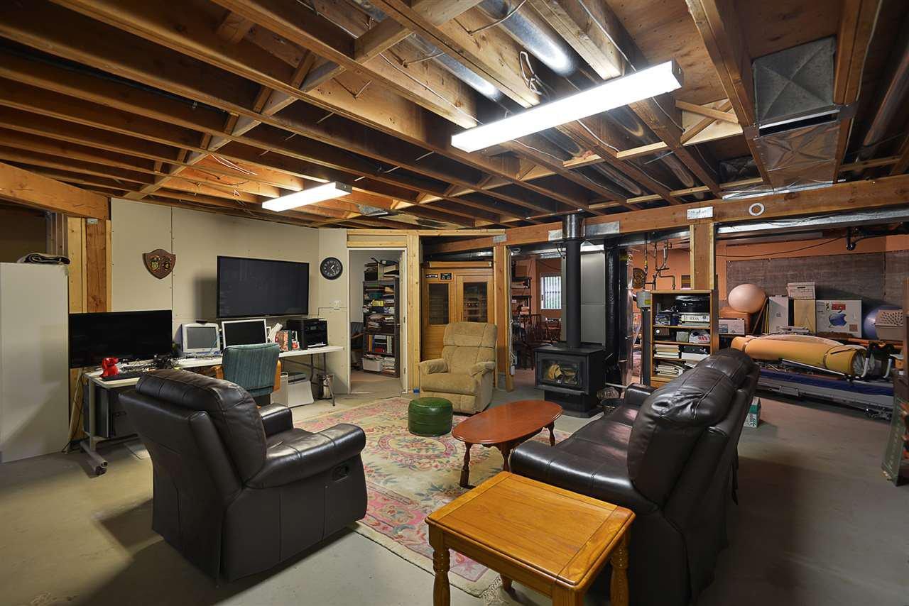 Photo 13: Photos: 2660 LOWER Road: Roberts Creek House for sale (Sunshine Coast)  : MLS®# R2422636