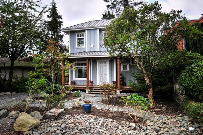 Main Photo: 1331 129A STREET in Surrey: Crescent Bch Ocean Pk. Home for sale ()  : MLS®# R2007596