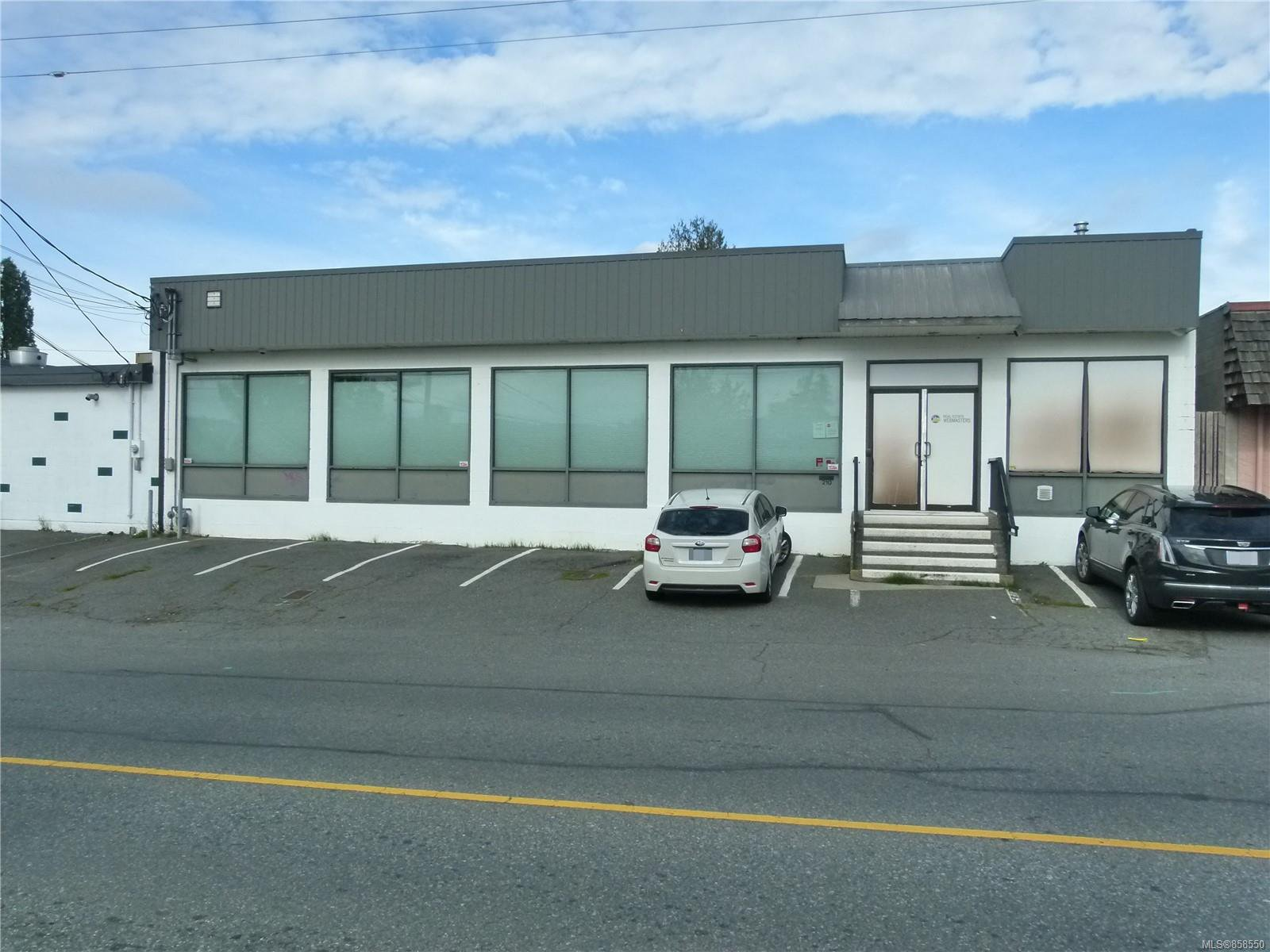 Main Photo: 210 Fourth St in : Na South Nanaimo Office for lease (Nanaimo)  : MLS®# 858550