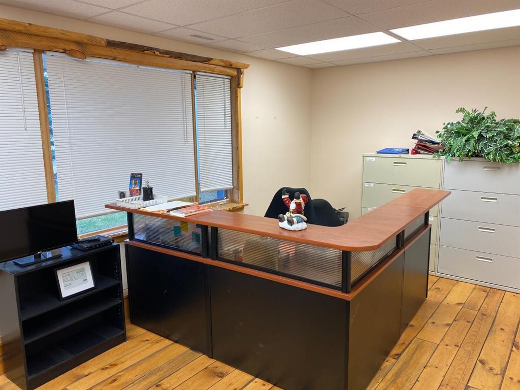 Main Photo: 1A 60 Railway Street: Cochrane Office for lease : MLS®# A1047330