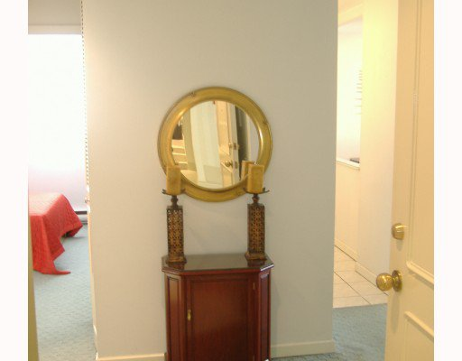 """Photo 5: Photos: 101 1341 CLYDE Avenue in West Vancouver: Ambleside Condo for sale in """"CLYDE GARDENS"""" : MLS®# V759733"""