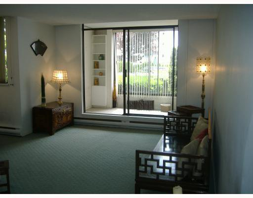 """Photo 2: Photos: 101 1341 CLYDE Avenue in West Vancouver: Ambleside Condo for sale in """"CLYDE GARDENS"""" : MLS®# V759733"""